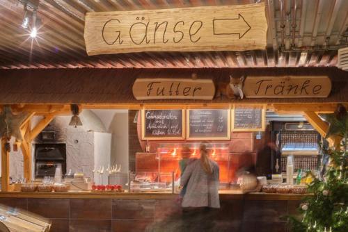 Tresen in Wermsdorf Weihnachtsmarkt Gänsemarkt